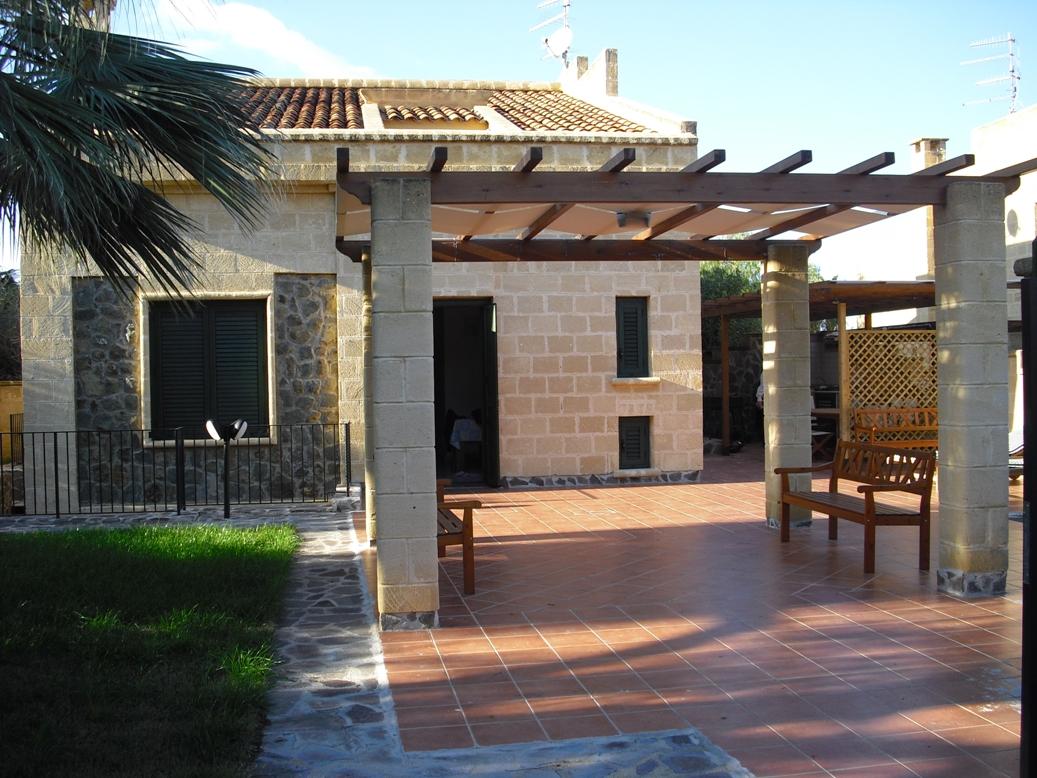 Villa degli emiri cefal vacations for Case bellissime esterni